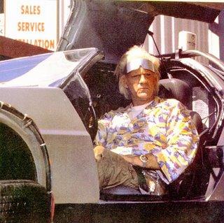 Doc Brown dans la DeLorean,  Retour vers le Futur 2