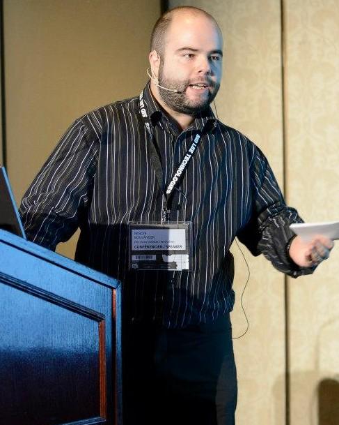 Sur scène durant ma présentation donnée au Web-In 2013 quelques mois avant le WAQ